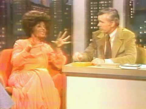 Shirley Bassey - Yesterday When I Was Young / Interview w/ Johnny Carson (1971 Live)