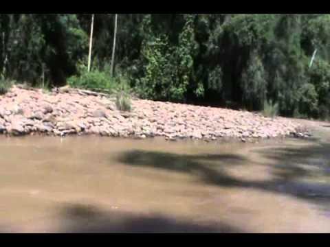 Catching fish in Magoh River, near Long Seridan, Baram - Part 1