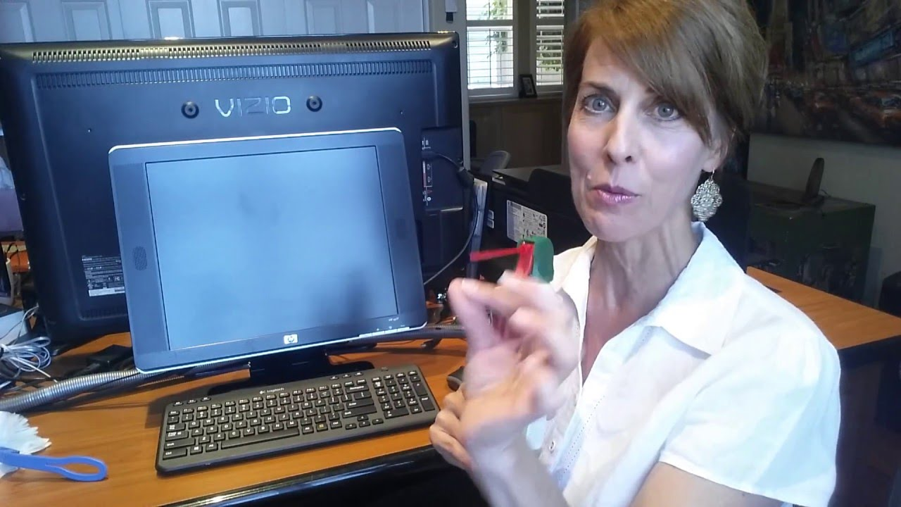 How to safely clean your computer screen - YouTube