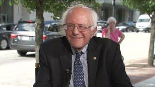 Who Carries Presidential Candidate Bernie Sanders' Bags?