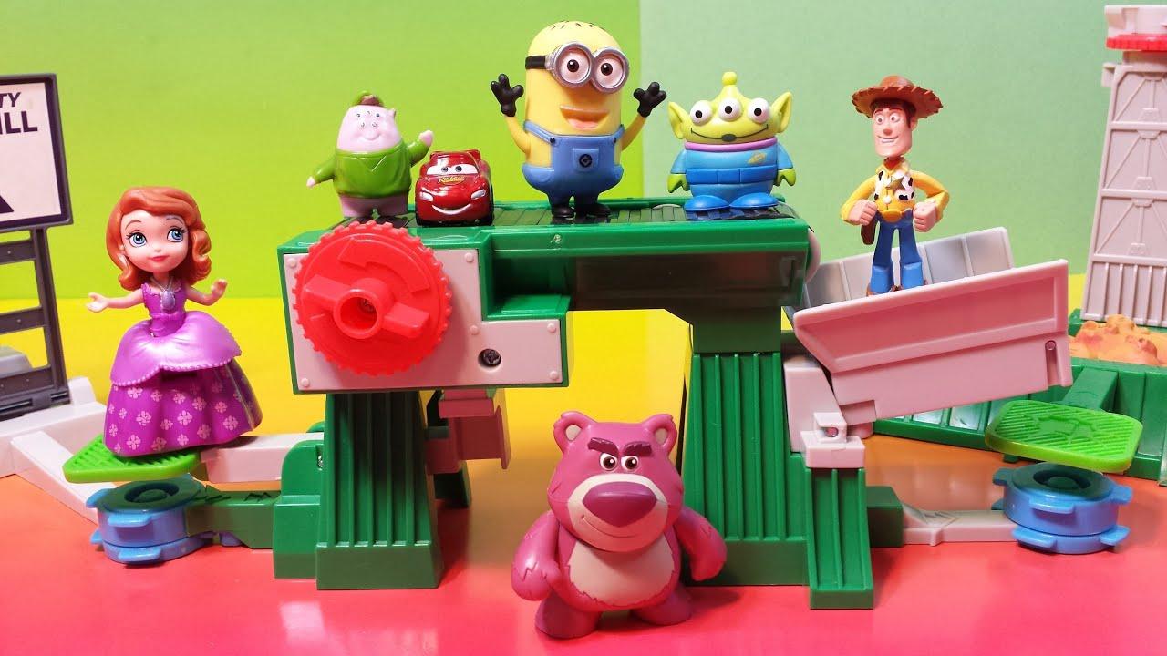 Toy Story 3 Junkyard Escape Stunt Set Action Links Woody