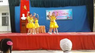 Bài thơ màu mực tím. Lớp 4B trường tiểu học Thái Xuyên