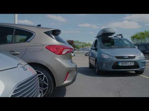 """Neuer Ford Focus: Weniger Stress beim Rückwärtsfahren dank Kamera mit """"Split View""""-Technologie"""