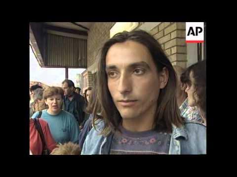 BOSNIA: SARAJEVO: 100 BOSNIAN REFUGEES RETURN HOME FROM TURKEY