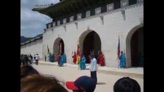 Церемонии смены караула в 경복궁