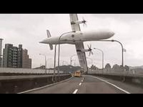 Taiwan plane crash: hits taxi cab before plunging into river