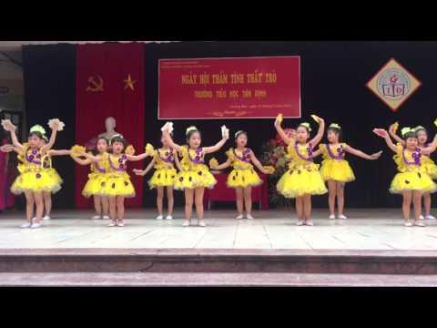 """Múa """"Ngày đầu tiên đi học"""" - TH Tân Định"""