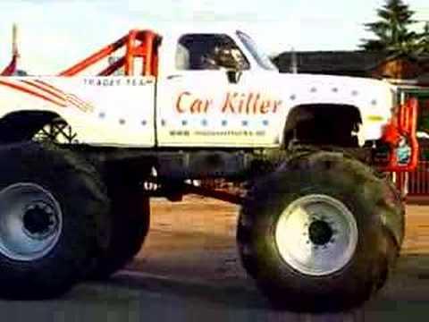 Monster Truck Smashing The Cars Youtube