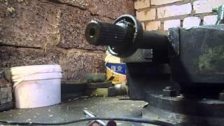Замена сальника и подшипника полуоси преднего моста кайрон актион(Это видео создано с помощью видеоредактора YouTube (http://www.youtube.com/editor), 2015-12-19T20:29:28.000Z)