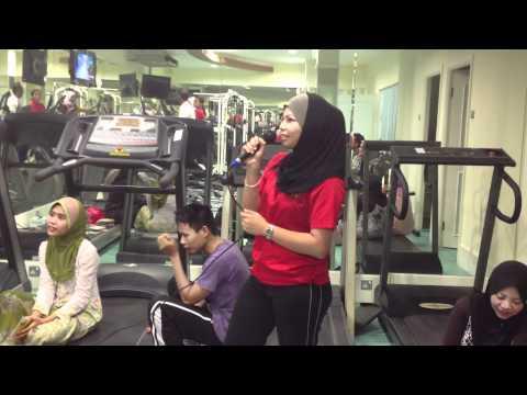 karaoke in gym johawaki