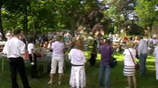Flash Mob Dance - Beautiful Day Harlingen, Engelse Tuin.wmv