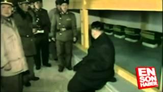 kuzey kore liderini karsilayan askerlerin komik halleri