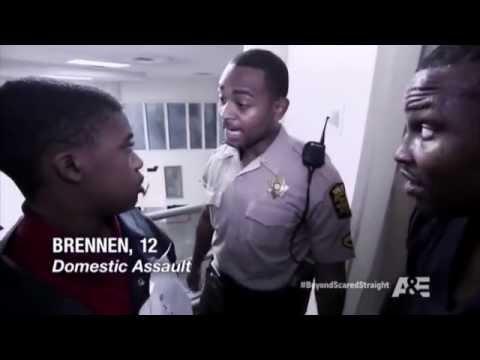 Школьных хулиганов поместили в жестокую тюрьму
