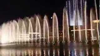 Dubai Mall Dancing  Water Fountain (Whitney Housten i will Always love you)