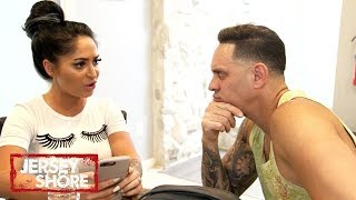 Angelina Needs a Friend | Jersey Shore: Family Vacation