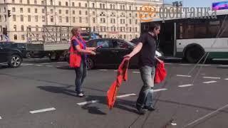 Обрыв проводов на Невском попал на видео