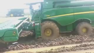 Ciągniki i maszyny do zbioru w dziedzinie nowoczesnych technologii, rolnictwa, nowoczesnych technolo