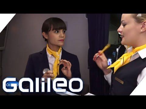 Der harte Job eines Flugbegleiters | Galileo | ProSieben