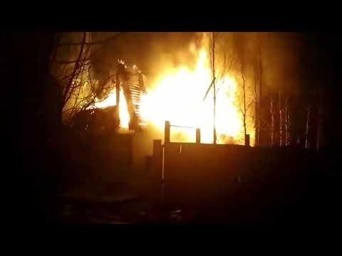 Пожар в Усинске на дачах
