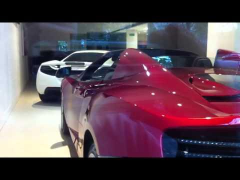 MP4-12c @ Trivetts McLaren showroom window in Melbourne