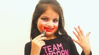 Cutie Ruined Mommy Makeup Pretend Play with Toys Girl Make up Gone Wrong