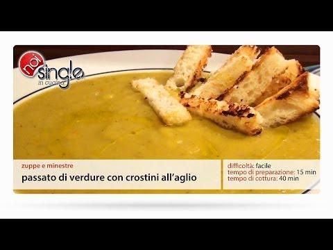 Passato di verdure con crostini all'aglio
