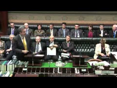 O'Farrell takes aim at former Labor government