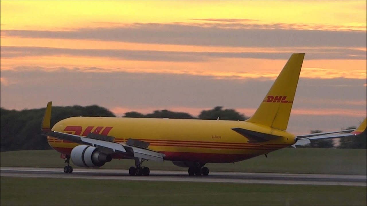 Evening Plane Spotting At East Midlands Airport
