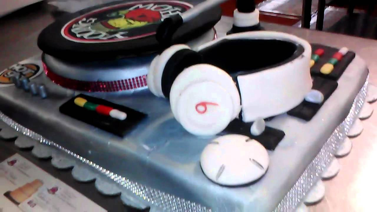 How To Make A Turntable Birthday Cake