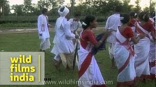Tea garden workers perform Jhumur dance - Assam