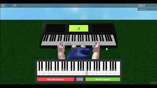 playing Happy birthday and Twinkle twinkle little star at Piano Keyboard-Roblox!