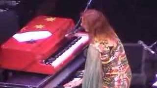 Tori Amos-San Antonio 04-25-03=13-Tombigbee