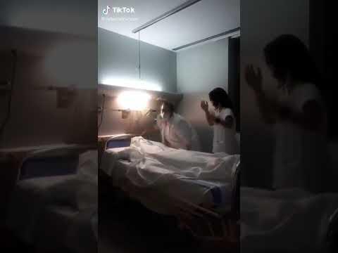 Enfermeras de Tarragona se burlan de los muertos