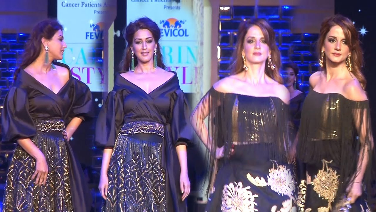 foto de Sexy Sonali Bendre and Sussanne Khan Walks Ramp | Fevicol 'Caring ...