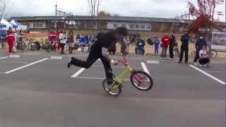 2012年11月11日、城d'白河2012(福島県白河市)BMXによるパフォーマンス.