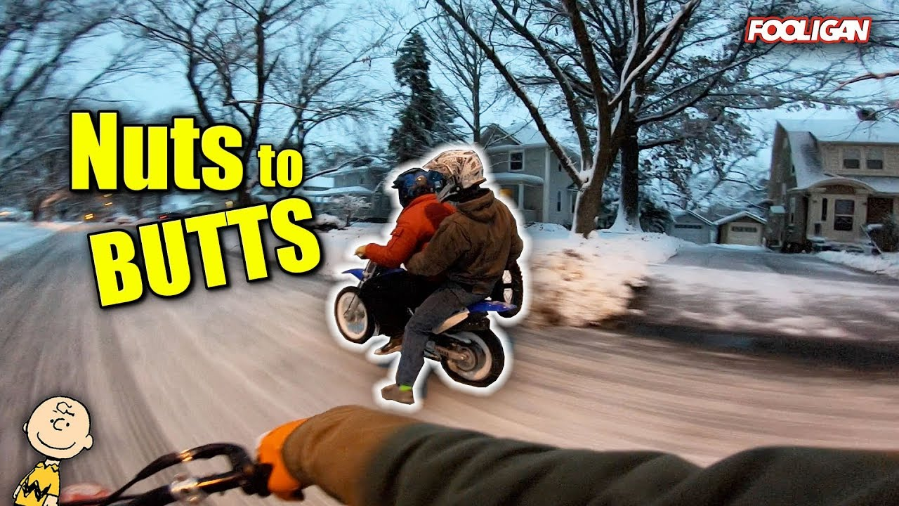 pit-bikes-rip-the-snowy-streets
