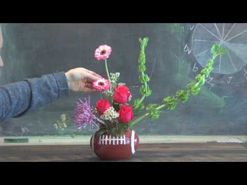 More Quick And Easy Super Bowl Flower Arrangements