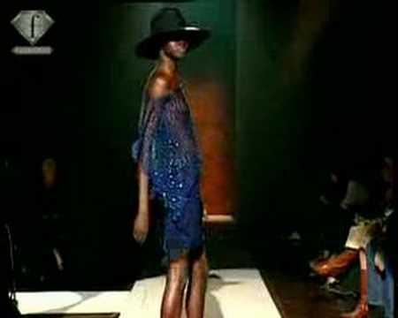 fashiontv | FTV.com - MODELS ALEK WEK & ERIN WASSON FEM PE 2004