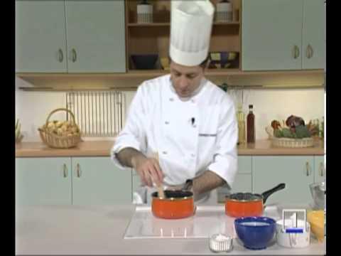C mo preparar la crema inglesa o natillas curso de t cnico en cocina y gastronom a de ccc youtube - Tecnico en cocina y gastronomia ...