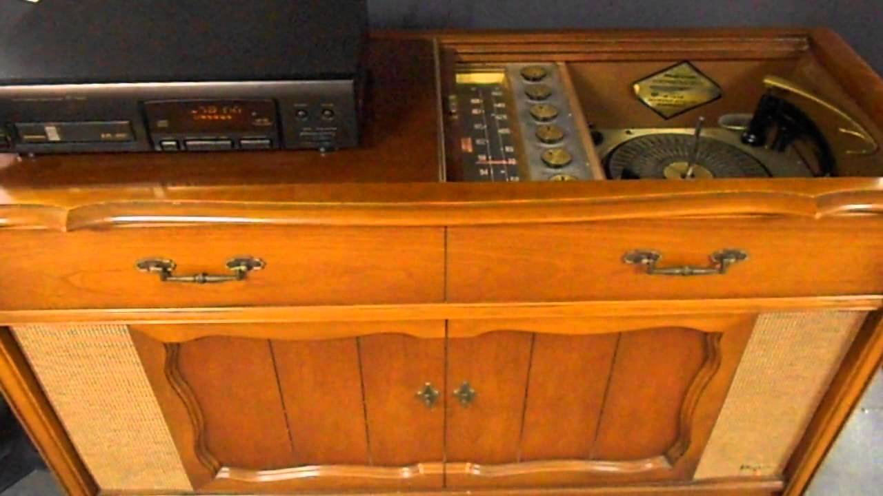 Past meets Present on a 62 Magnavox Console Stereo - YouTube