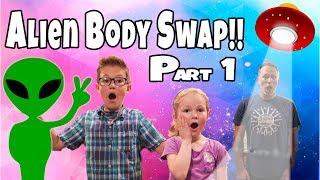 Aliens versus Earthlings!! Aliens Controlling Dad!! Alien Body Swap!