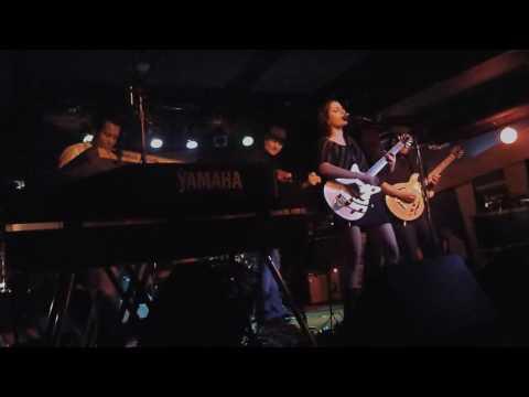 Loquat - Swingset Chain - Live (3 of 8)
