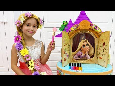 София собирается на бал Принцесс и играет с волшебным салоном красоты Рапунцель