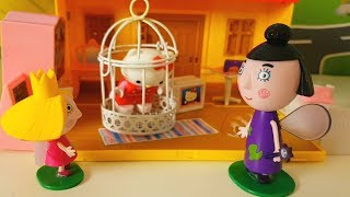 HOLLY AIUTA PEPPA PIG E HELLO KITTY CON UN INCANTESIMO MAGICO - Nuovo Video per bambini con giochi