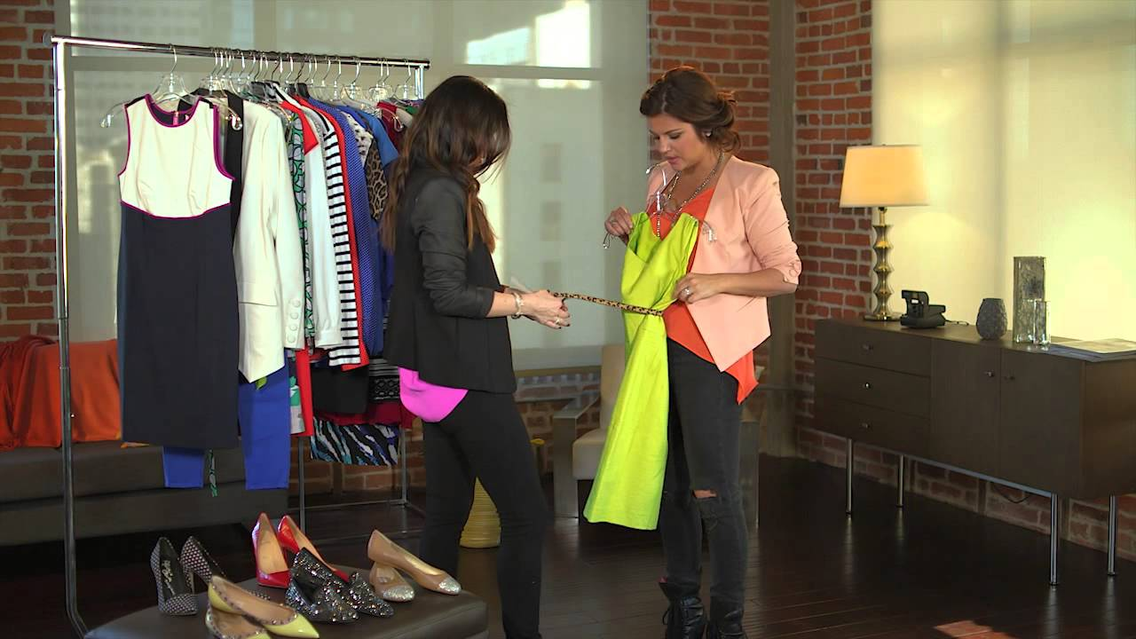 Day to Night Outfits with Tiffani Thiessen - All Access Mom - YouTube 846e0aa1fe6