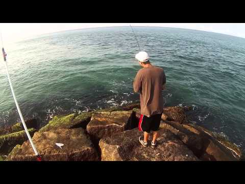 Shore Fishing : Fishin' The Surf