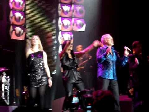 Tom Jones - Take me back to the party (live@ Ahoy)