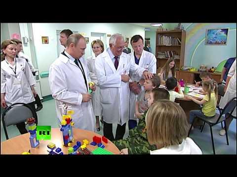 Владимир Путин посетил НИИ неотложной детской хирургии и травматологии в Москве