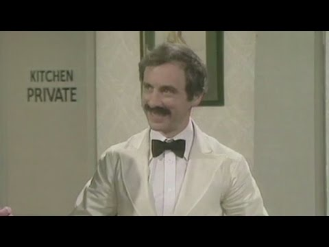 Andrew Sachs who played Fawlty Towers' Manuel dies aged 86