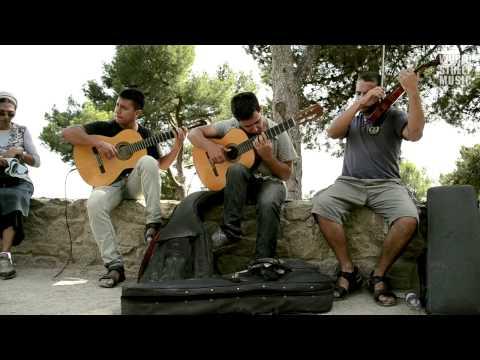 Barcelona Street Music : Libertango (Astor Piazzolla) HD